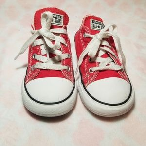 Red converse✔✔
